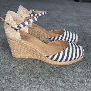 White Mountain summer wedge heels